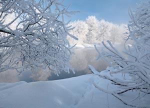 Преимущества бурения зимой